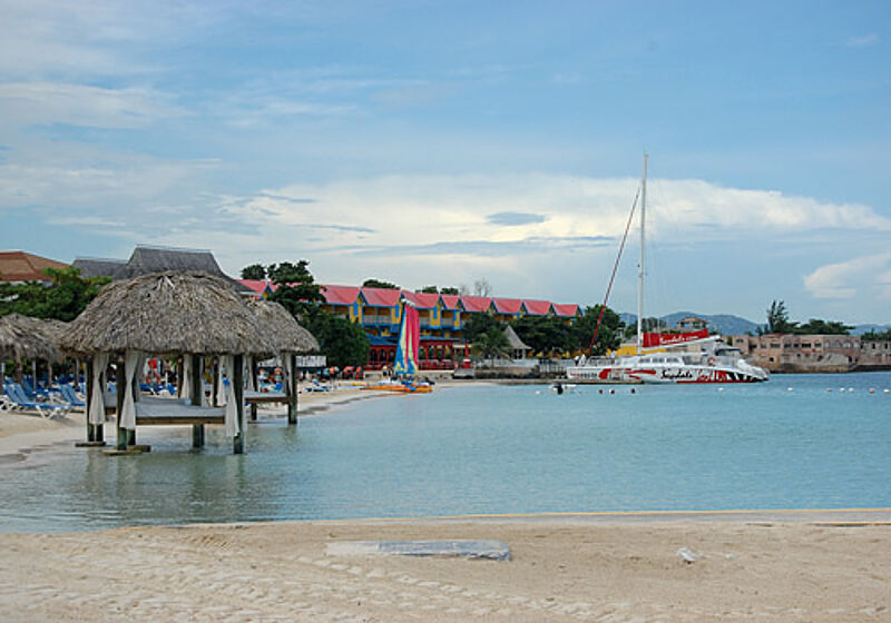 Am Airport: Sandals Montego Bay